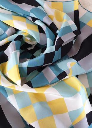Christian fischbacher  шелковый платок.