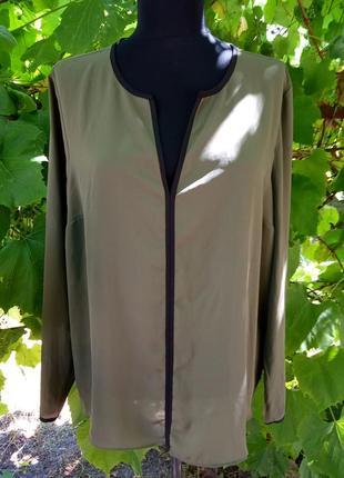 Отличная блуза цвет хаки  18 размер