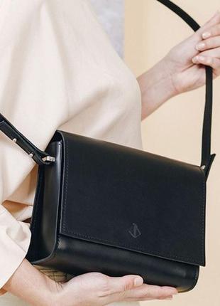 Классическая  кожаная сумка на плечо