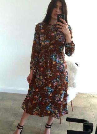 Сатиновое миди-платье в цветы