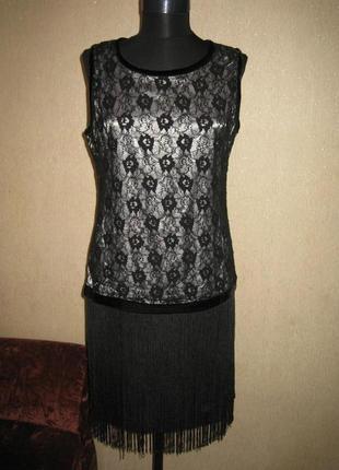 Платье с гипюром и бахромой