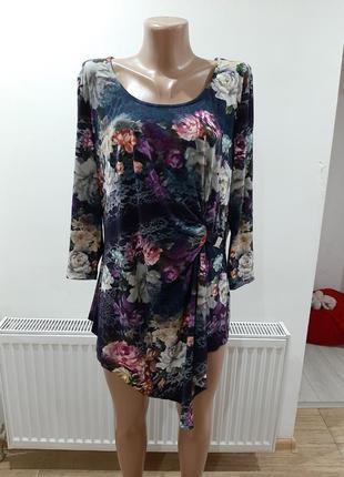 Туника блуза в цветах  очень красивая