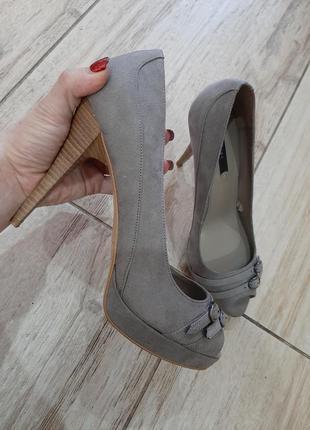 Шикарные туфли zara замш