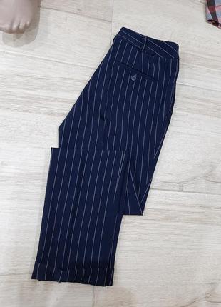 Актуальные брюки в полоску