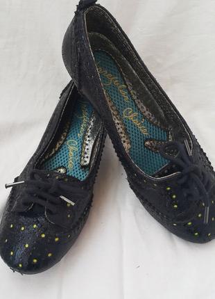 Дизайнерские туфли Irregular Choice р.37