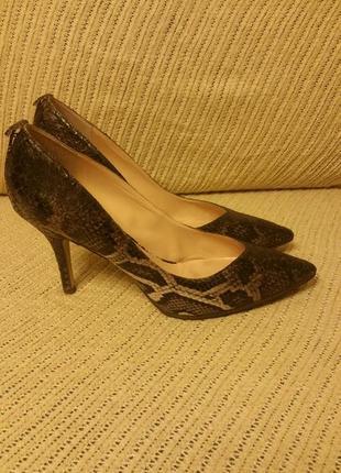Guess, туфли, принт кожи размер41