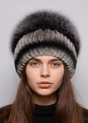Женская зимняя меховая шапка из кролика пирамида