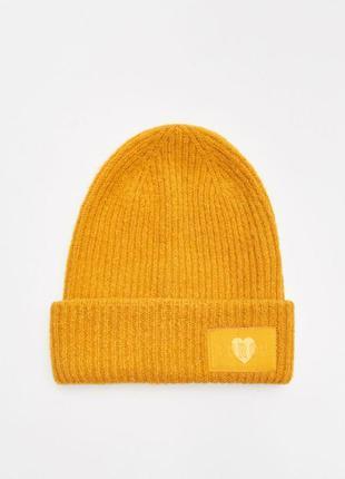 Женская одинарная шапка с отворотом польского бренда cropp acc...