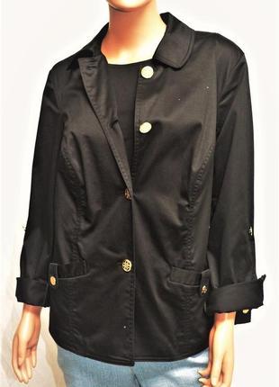 Куртка жакет по фигуре  с металлическими пуговицами из черного...