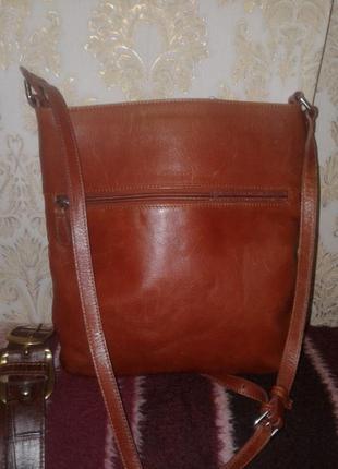 Стильная кожаная сумка fiorelli (оригина.