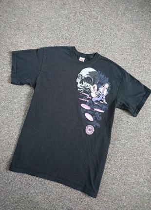 Чёрная футболка крутая