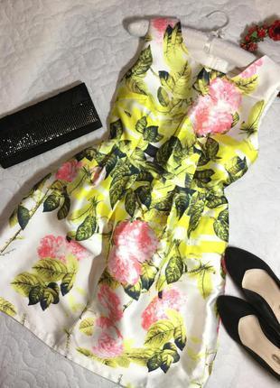 Платье  нарядное в цветы  размер 10