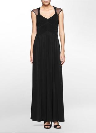 Вечернее платье с прозрачными вставками и декором из бисера ра...