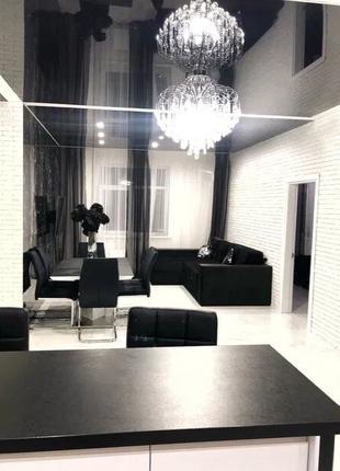 3-х комнатная квартира. В квартире дизайнерский ремонт!