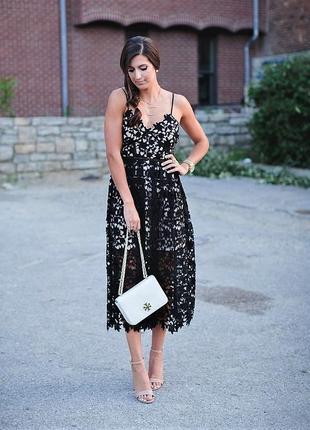 """Эффектное платье """"миди"""" из кружевной ткани на подкладке """"нюд"""" ..."""