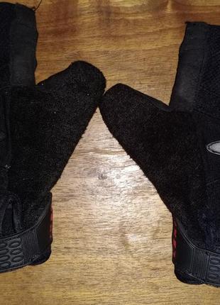 Спортивные перчатки без пальцев leki