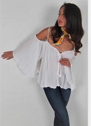 """Белая блуза с оголенными плечами и рукавами """"ангел"""", стиль """"бо..."""