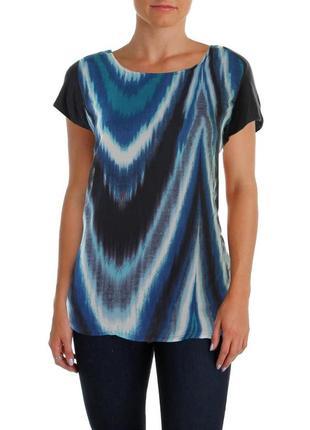 Брендовая блуза футболка с короткими рукавами и накладной дета...