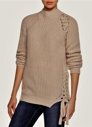 Эффектный свитер воротник стойка  со шнуровкой впереди размер  m