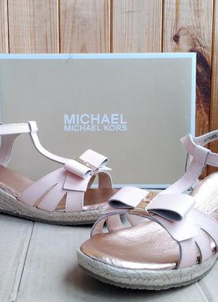 Супер стильные полностью кожаные босоножки michael kors оригин...