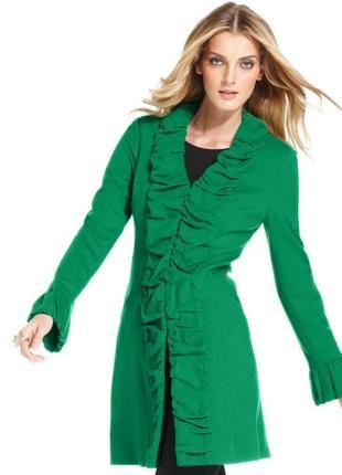 Пальто с вертикальной драпировкой по центру и низу рукавов, за...