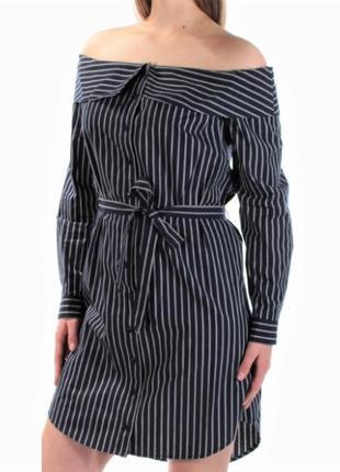 Платье-рубашка с открытыми плечами в оксфордскую рубашечную по...