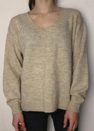 H&m мягкий бежевый свитер с вырезом бежевый оверсайз oversize