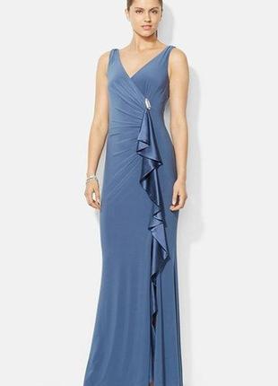 Платье вечернее на запах с асимметричной драпировкой и каскадн...