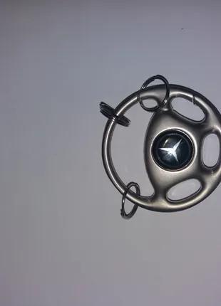 Брелок в виде руля Mercedes
