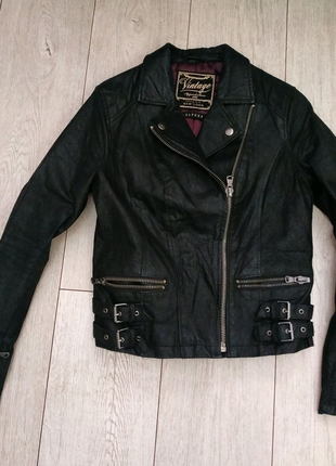 Кожаная куртка рр 10 (36-38)