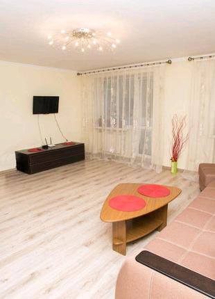 Продам простору квартиру в центрі