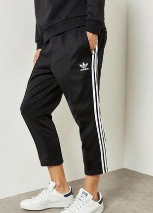 Подстреленные Adidas спортивные штаны укороченные короткие щик...