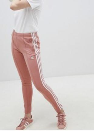 Оригинальные брюки-сигаретки adidas