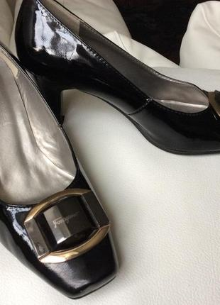 Нарядные туфли salvatore ferragamo