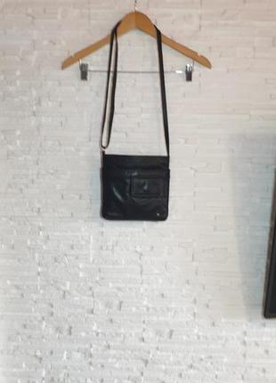 Небольшая кожаная сумка tula