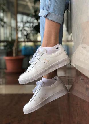 Женские белые кроссовки адидас adidas topanga