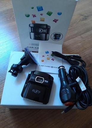 Автомобильный видеорегистратор LUX 680 объектив Samsung 6g