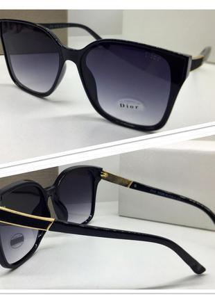 Женские солнцезащитные очки черные классика