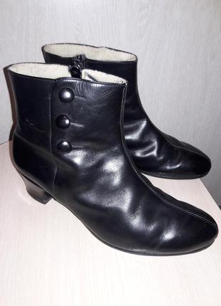 Кожаные утепленные ботинки 27.5 см.