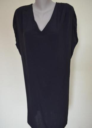 Очень шикарное стильное платье черное свободного фасона