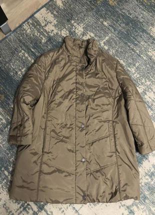 Бежевая куртка большой размер!