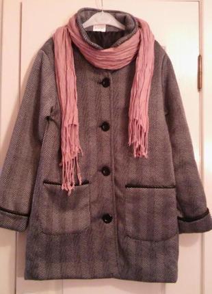 Легкое демисезонное пальто. распродажа
