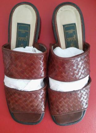 Кожаные шлепанцы, плетенная обувь- тренд сезона!