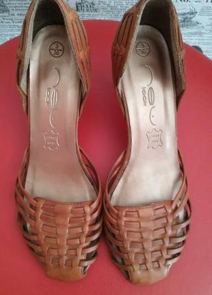 Летние кожаные туфли- плетенная обувь- тренд сезона