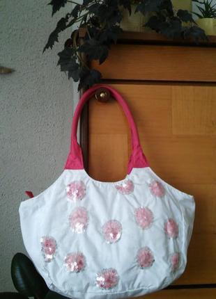 Белая сумка с пайетками