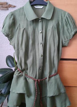 Зеленая блузка с баской