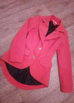 Оригинальное пальто-пиджак