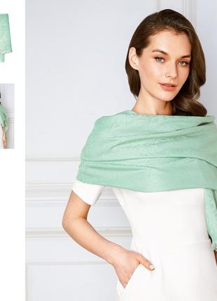 Шикарный шарф-палантин актуального мятного цвета