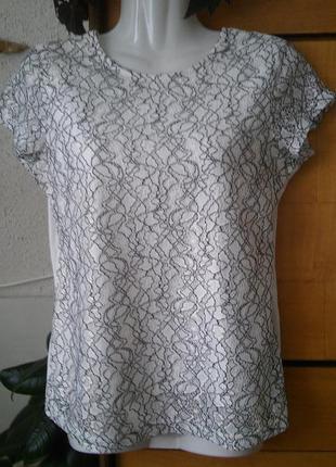 Блузка-футболка молочного цвета