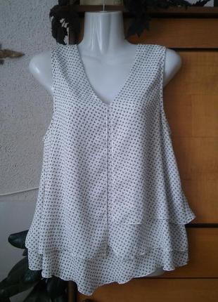 Интересная блузка с оборками, подойдет и для будущих мам